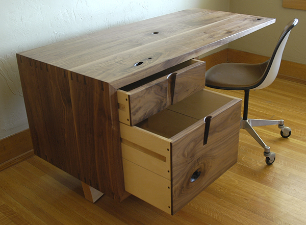 cupertino cantilever desk 3